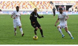 Demir Grup Sivasspor liderliğini sürdürdü