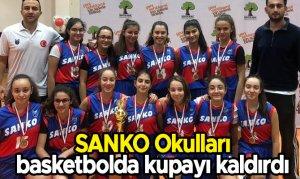 SANKO Okulları basketbolda kupayı kaldırdı