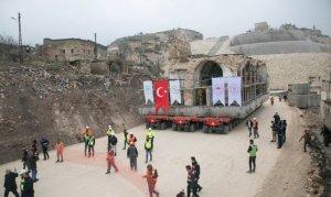 Hasankeyf'te son tarihi eser dualarla taşındı