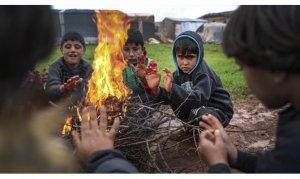 Suriye'ye sınır ötesi yardımlar durma noktasında