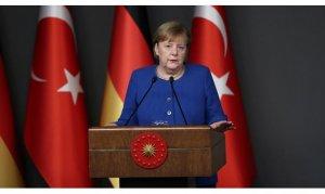 Almanya Başbakanı Merkel: İdlib'ten kaçanlar için maddi katkıya hazırız