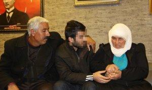 HDP önündeki eyleme katıldı: 6 yıl sonra oğluna kavuştu