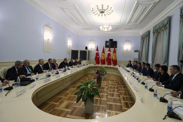 Kırgızistan'a FETÖ uyarısı yaptı