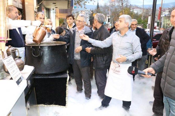 Ravanda Şerbeti Kahramanmaraşlıların içini ısıttı