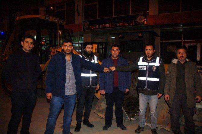Kahramanmaraş'ta polis kepçenin peşine düştü
