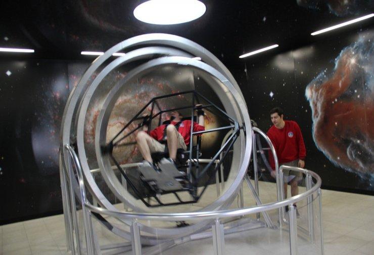 İzmir'in Gaziemir ilçesi uzay meraklılarını ağırlıyor