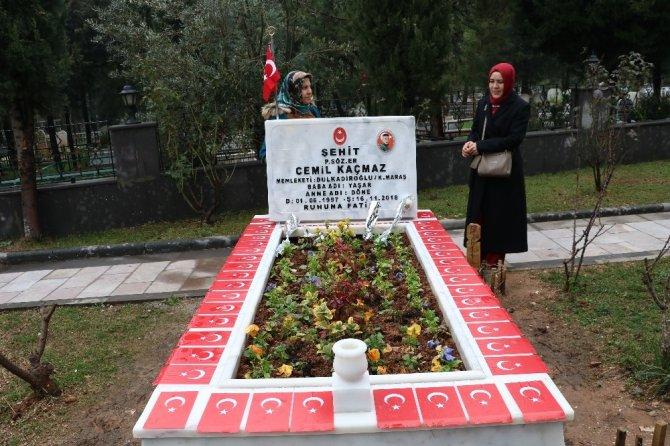Atatürk anıtına çelenk sunumu gerçekleştirildi