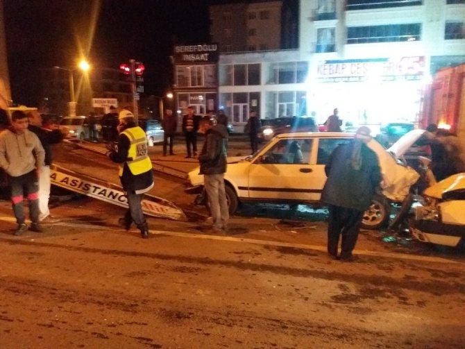 Alkollü sürücü zincirli kazaya sebep oldu