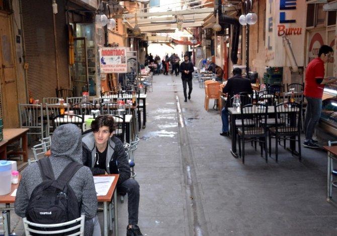 Kahramanmaraş'ın vazgeçilmez sokak lezzeti Eli Böğründe