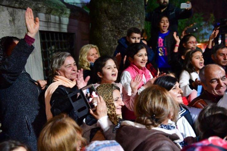 Çocukların tezahüratı İmamoğlu'nu ağlattı