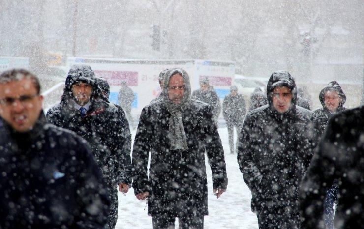Doğu Anadolu bahara giremedi kışı yaşıyor