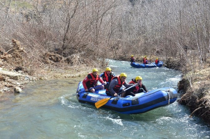 Kahramanmaraş'ta yapılan rafting nefesleri kesti