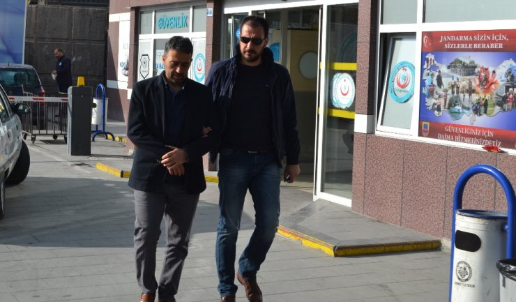 """FETÖ'nün """"mahrem imam""""larına operasyon 80 gözaltı kararı"""