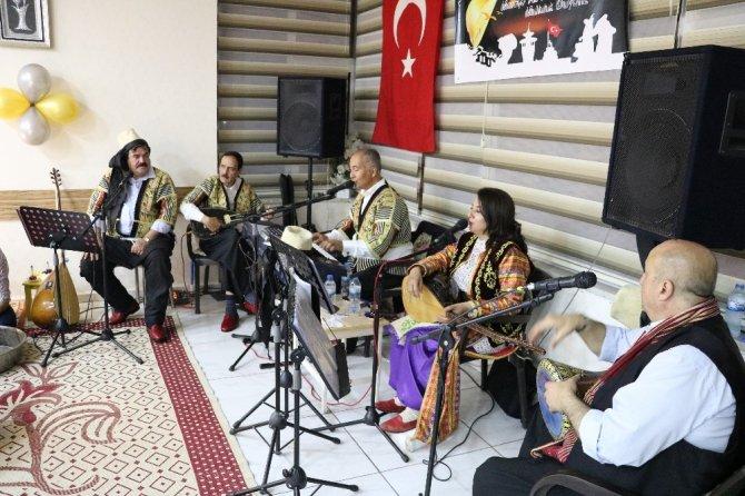 Kahramanmaraş'ta girişimci kadın kebapçıdan türkü gecesi