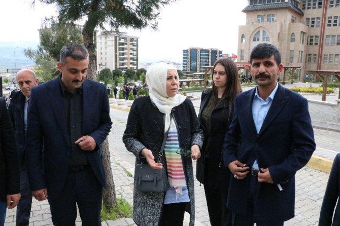 """Gülefer Yazıcıoğlu: """"10 yıldır gidiyoruz geliyoruz bir arpa boyu yol kat edemiyoruz"""""""