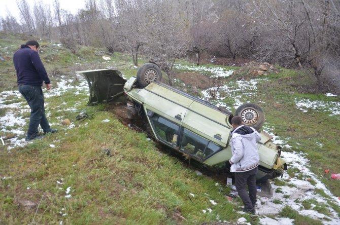 Ekinözü ilçesinde takla atan otomobil sürücüsü yaralandı