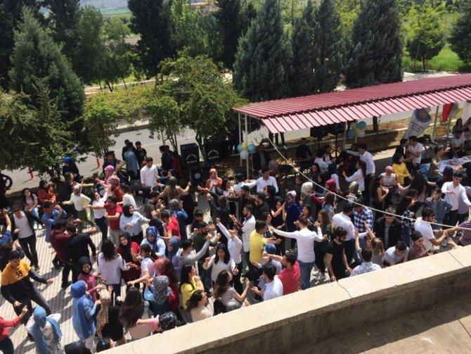 Kahramanmaraş'ta öğrenciler sınav öncesi böyle stres attı