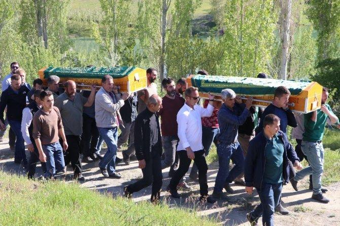Göksun'da baraj gölünde boğulan 3 çocuk toprağa verildi