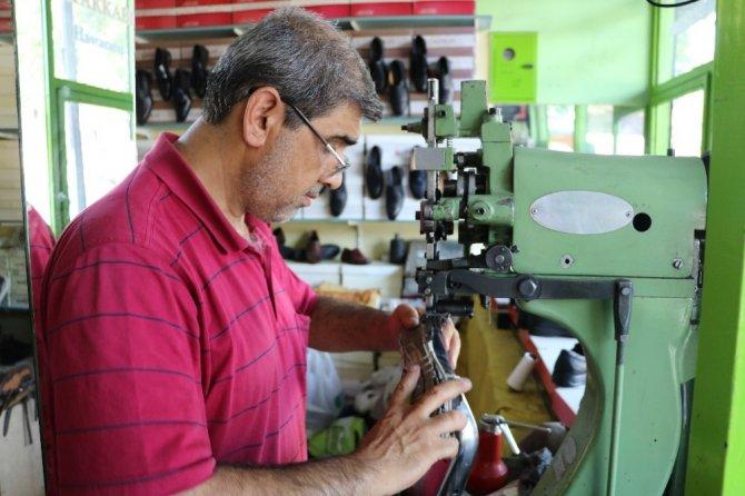 Kahramanmaraş'ta ayakkabı hastanesi açtı