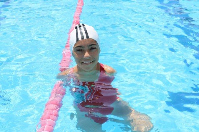 Milli yüzücü Sevilay'ın hedefi Tokyo 2020 olimpiyatları