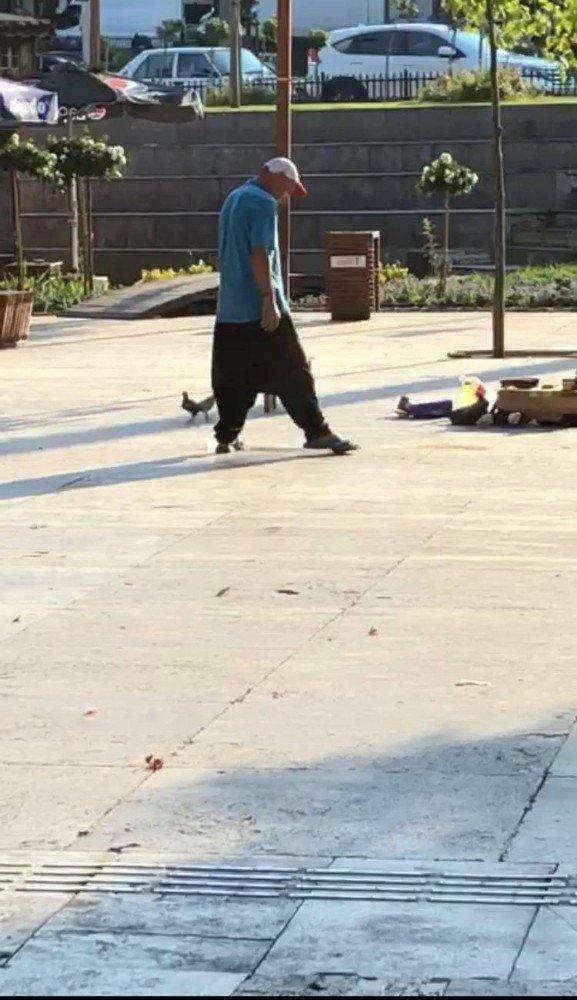 Kahramanmaraş'ta sattığı civcivleri tekmeledi, tepki yağdı