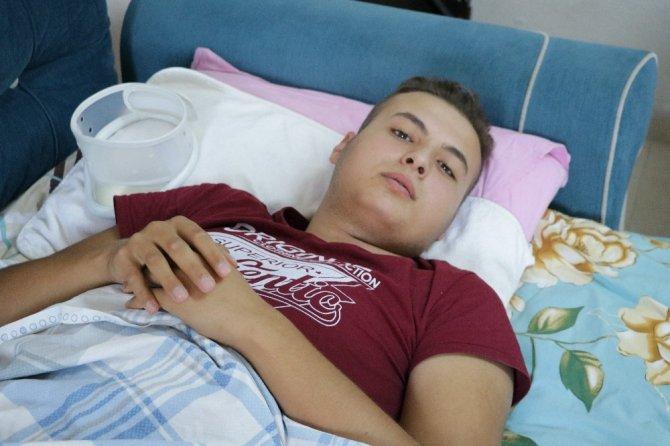 Kahramanmaraş'ta 17 yaşındaki genç tekrar yürümek istiyor