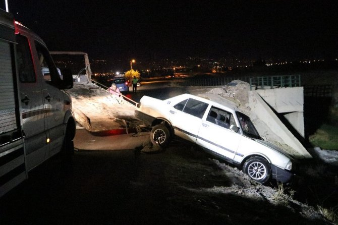 Kahramanmaraş'ta su kanalına otomobil düştü