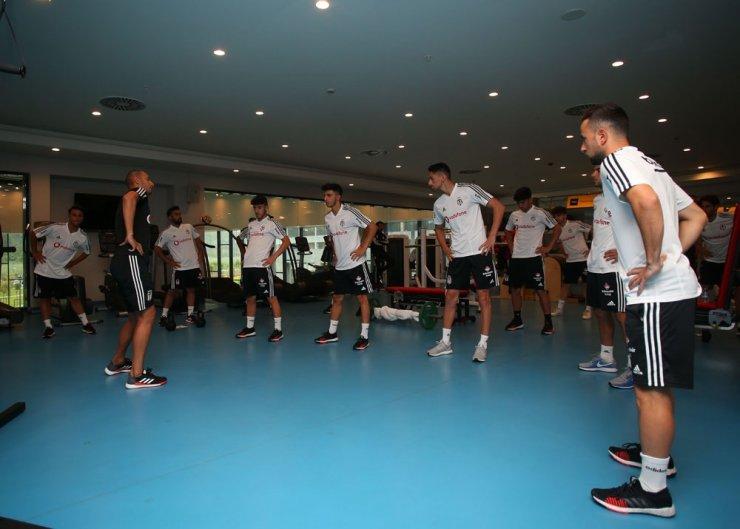 Beşiktaş, salonda çalıştı