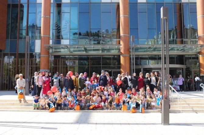 Umut Elleri bayram öncesi çocukları sevindirdi