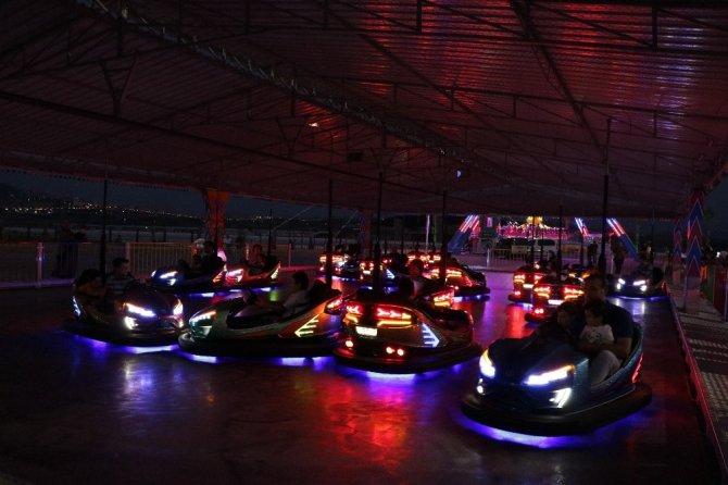 Kahramanmaraş'ın en büyük eğlence merkezi açıldı