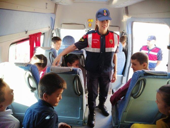 Jandarma Okul Servislerini denetledi