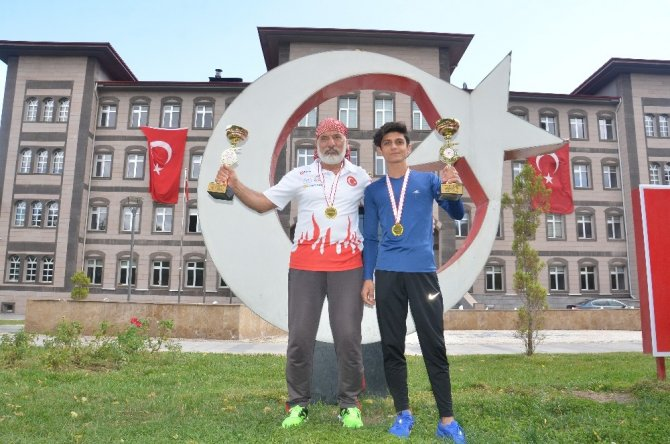 100 kilometrelik ultramaratonu 8 saat 38 dakikada tamamladı