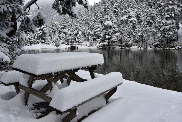 Beyazın en çok yakıştığı yer: Limni Gölü