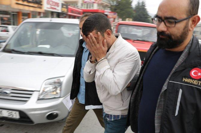 Kahramanmaraş'ta uyuşturucu satıcısı 3 kişi yakalandı