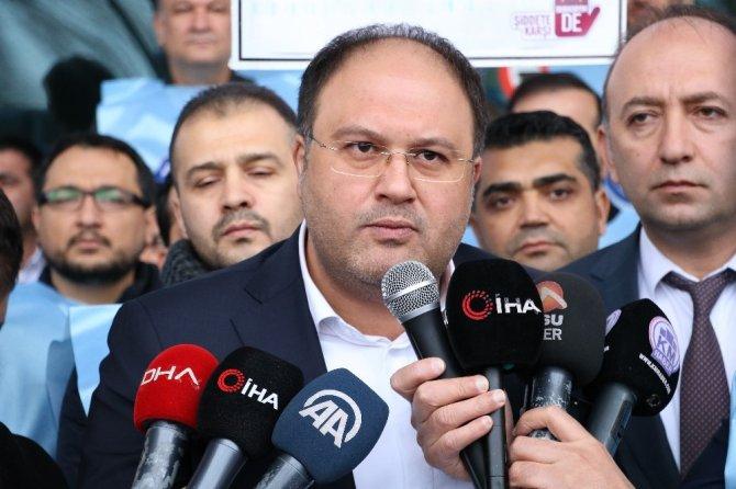 Kahramanmaraş'ta ki sağlık çalışanları meslektaşlarına yapılan saldırıyı kınadılar