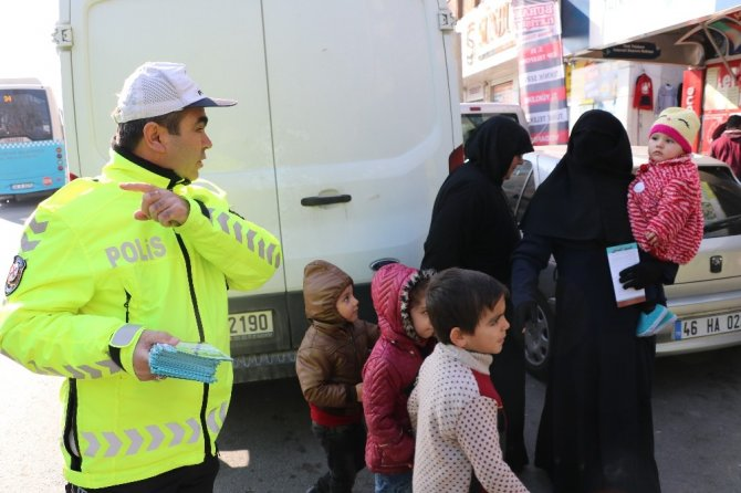 Kahramanmaraş'ta Polisten Suriyelilere trafik eğitimi