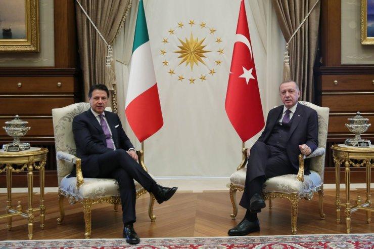 Cumhurbaşkanı Erdoğan İtalya Başbakanını Külliyede kabul etti