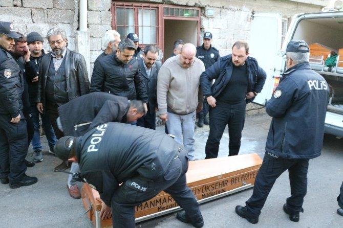 Kahramanmaraş'ta bir kişi kendini asarak intihar etti