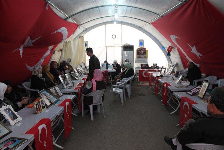 HDP önündeki ailelerin evlat nöbeti 158'inci gününde