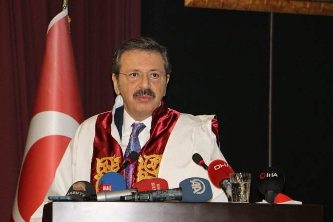TOBB Başkanı Hisarcıklıoğlu'na Fahri Doktora verildi