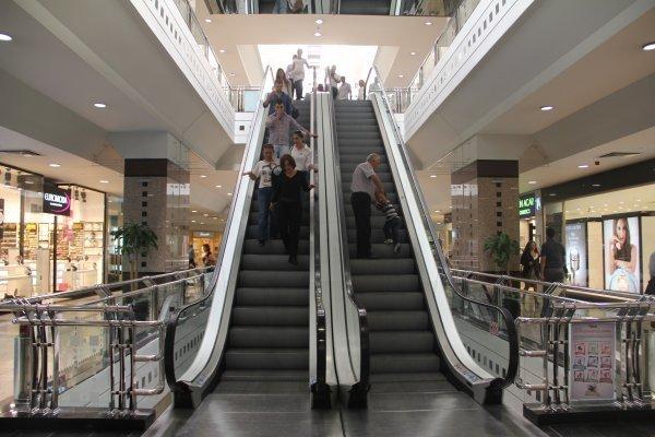 Avm lerde yürüyen merdivenler durdu
